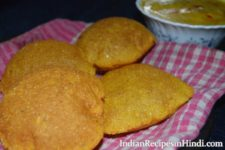 makki ki poori, मक्की की पूड़ी, makki ki pudi, corn flour poori recipe in Hindi