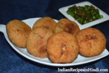 matar kachori, peas kachori in Hindi, मटर की कचौरी