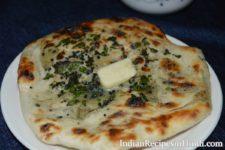 amritsari aloo kulcha, आलू तंदूरी कुल्चा in cooker in Hindi